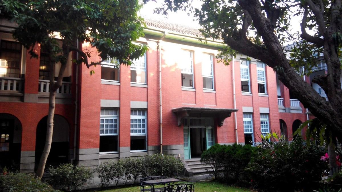 徐州校區教學大樓中庭