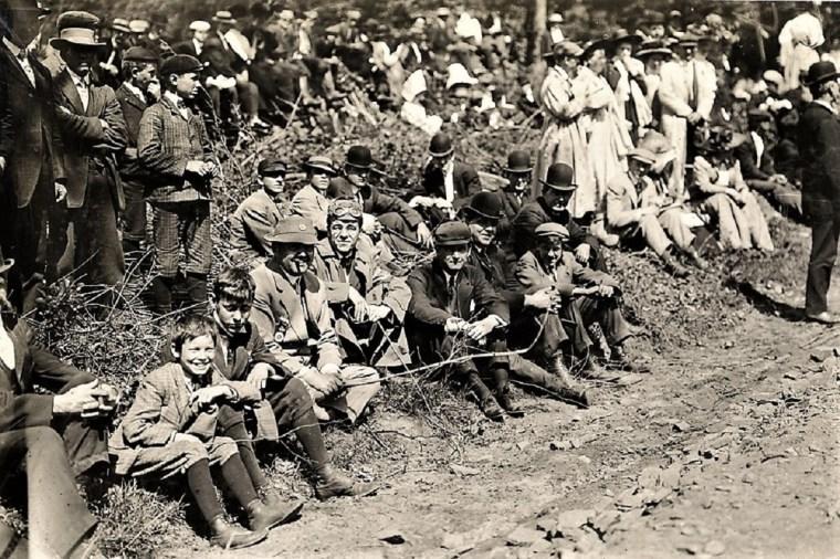 Easton 1909 crowd hill climb