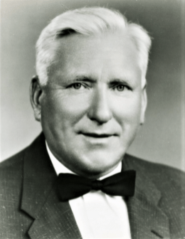 Rudolph Bannow, President & Founder of Bridgeport Machines and head of the National Association of Manufacturers during the Eisenhower Administration. He resided on Flat Rock Drive.