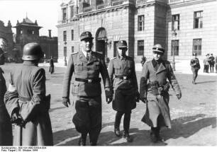 Skorzeny (left) and Adrian von Fölkersam (right) in Budapest, 16 October 1944 .
