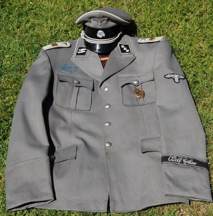 LAH Unterstrmfhr service uniform or M37. Made by http://soldat.com/ or Soldat FHQ on Facebook.