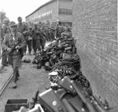 Wehrmacht soldats surrendering their equipment, May 1945.