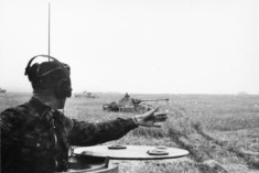 Panther battalion attached to Großdeutschland Division.