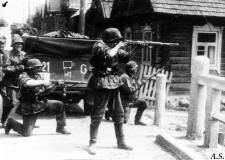 Soldiers of the 2nd SS Panzer Division Das Reich, in the gunfight with enemy forces.