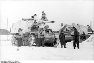 Nashorn tank destroyers on the Eastern Front, 1944.
