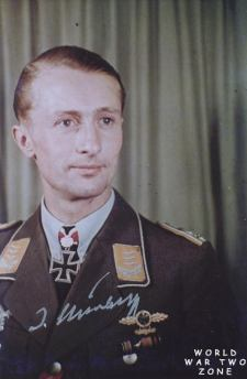 Johannes Steinhoff as Hauptmann.