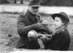 Teaching Volkssturm how to use the Panzerfaust in March, 1945.