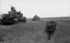 Panzer IVs on them move.