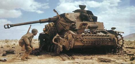 Wrecked Panzer IV in Afrika.