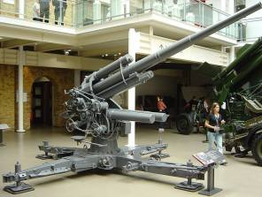 8.8 cm Flak 18 barrel on a Flak 36 cruciform at the Imperial War Museum in London