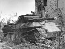 Knocked out Panther in Italy, 1945.