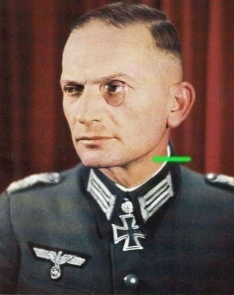Oberstleutnant der Reserve Albert Graf von der Goltz wearing monocle after receiving Eichenlaub #316 as Kommandeur of Gebirgsjäger-Regiment 144.