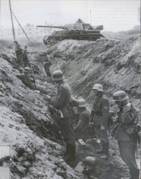 Panzers of the German 4th Panzer Army reach the Stalingrad-Morozovsk railway on the outskirts of Stalingrad, August 31,1942.
