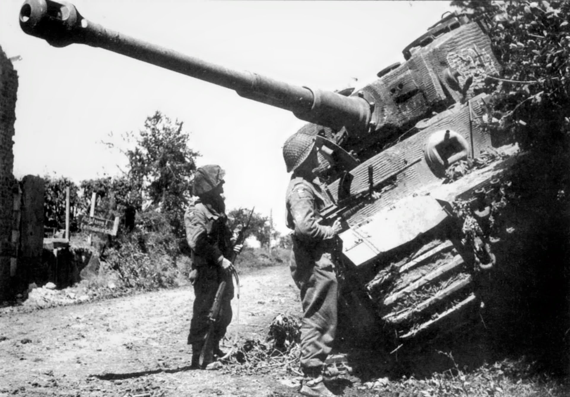 a review of the operation cobra in normandy Six weeks after the allied invasion of normandy, operation overlord showed  distressing signs of stalemate more than a million american,.