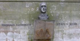 A high school in Grossröhrsdorf in Saxony in modern Germany bears his name.