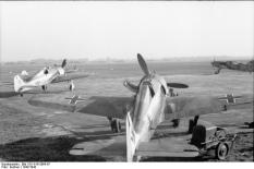 Fw 190 A-0s or A-1s of an unknown unit.
