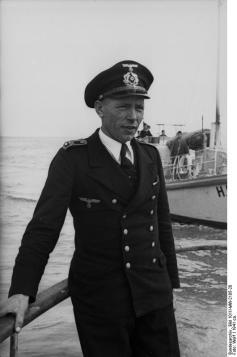 Steuermann (Petty Officer First Class - Quartermaster)