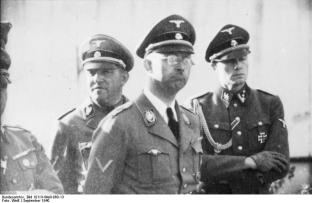 Sepp Dietrich, Heinrich Himmler , and Joachim Peiper at Metz in September 1940.