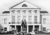 Meeting place at Deutsches Nationaltheater, Weimar.