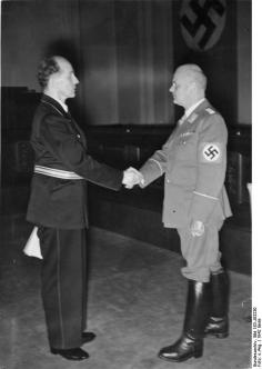 Otto Thierack (on right) with the judge Roland Freisler at the end of August 1942.