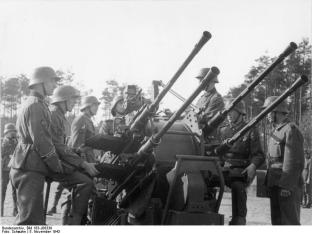 Members of the Panzer-Grenadier-Division Großdeutschland train with a 2 cm Flakvierling 38, 1943.