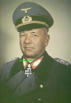 Alfons Hitter wearing Eichenlaub.