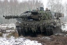 Kampfpanzer Leopard 2A6 im Gefecht.