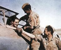 Hans-Joachim Marseille with his crews.