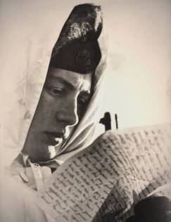 Soldier of SS Totenkopf division reading a letter, Eastern Front, 1943.