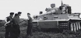 Maintenance of a Tiger, Summer 1943.