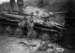 Knocked out T-34 in the Kharkov area.