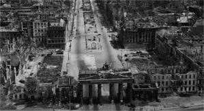Brandenburg Gate, Berlin 1945.