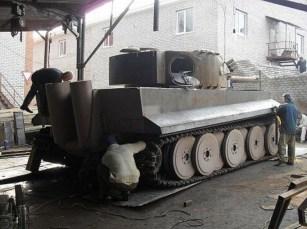 Tiger 1 replica bTiger 1 replica built in Russia for a collector for $500,000 USD. Built in Russia for a collector for $500,000 USD.