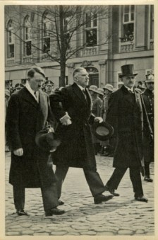 Germany Awakes. Group #32. Picture #122: Hitler and Papen on their way to the Garrison's church in Potsdam, on March 21, 1933.