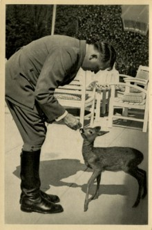 Germany Awakes. Group #32. Picture #208: The Führer is a friend to animals.