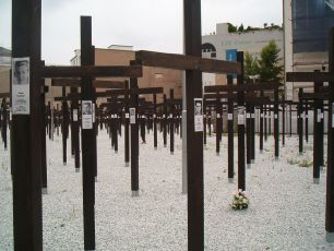 A memorial of over a thousand crosses and a segment of the wall for those who died trying to cross. The memorial stood for ten months in 2004 and 2005 before it was removed.