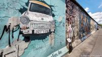Today, some parts of the Berlin Wall still stand as a memorial to hard-won freedoms. The famous East Side Gallery allows different artists from around the world to add murals to the part of the wall that remains on Mühlenstrasse in Friedrichshain-Kreuzberg.