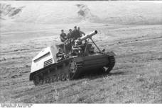 A Hummel negotiates a hill in central-southern Russia, June 1943.