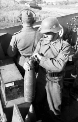 Panzerhaubitze Hummel Eastern Front 1943.