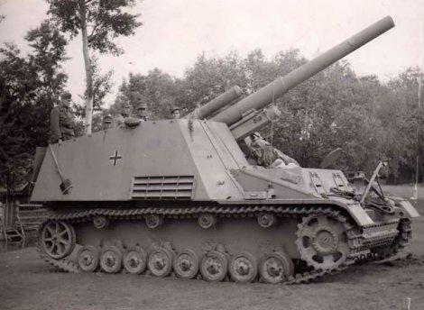 Hummel self propelled gun, late version.