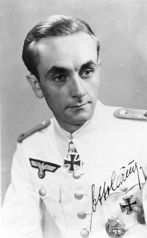 Oberleutnant Otto Carius in the summer white tunic.