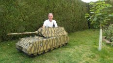1/6 Scale Maus Model - 2m long or 6.5 feet.