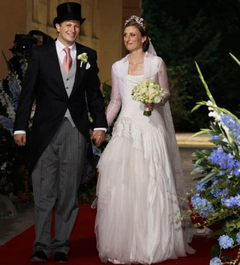 POTSDAM, GERMANY - AUGUST 27:  Georg Friedrich Ferdinand Prince of Prussia and Princess Sophie of Prussia leave their religious wedding ceremony in the Friedenskirche Potsdam on August 27, 2011 in Potsdam, Germany.  (Photo by Andreas Rentz/Getty Images)