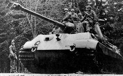Tiger II #222 of SS Panzer Abteilung 501, Kampfgruppe Peiper.