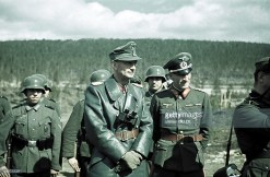From left to right: Generaloberst Eduard Dietl (Oberbefehlshaber 20. Gebirgsarmee) and Generalleutnant Hermann Tittel (Kommandeur 169. Infanterie-Division). The picture was taken in 1942, when general Dietl visiting troops in the polar region of war (Finland/Norway).