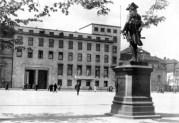 1930 extension, view from Wilhelmplatz.