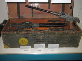 "An MG 81Z ""twinned"" machine gun pair, used for the /Rüstsatz 1 He 177A-1 field modification, in a shipment case."