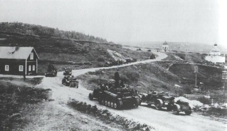 A German column during the advance on Murmansk, 1941.