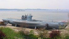 U-995.