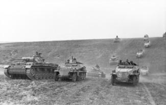 """The classic characteristic of what is commonly known as """"blitzkrieg"""" is a highly mobile form of infantry and armour, working in combined arms. German armed forces, June 1942."""
